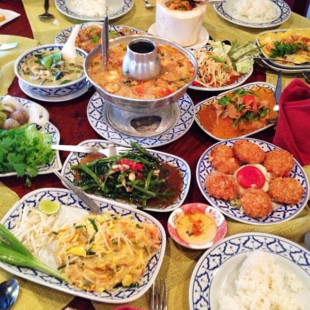 eating in siam and pratunam