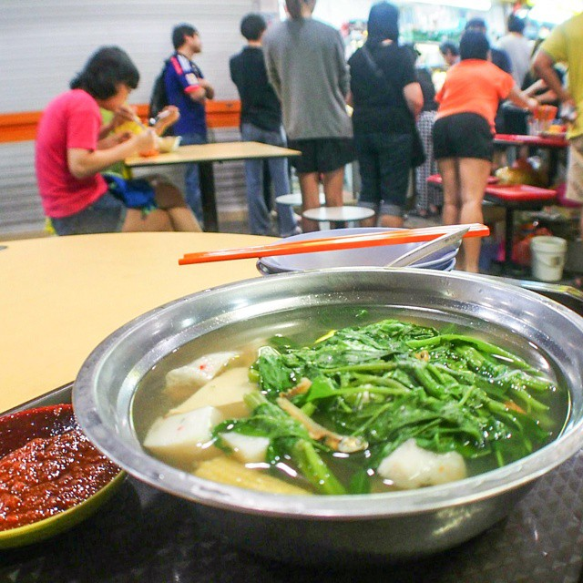 """The famous """"Midnight Yong Tau Foo"""" that opens only around midnight."""