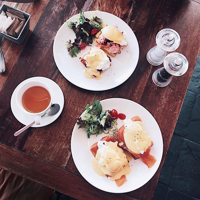 Because I was craving for good eggs benedicts the other day and I know Choupinette would be a safe choice 😌✨