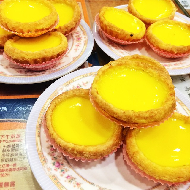 Don't you feel blessed to have piping hot egg tarts right out of the oven for breakfast?