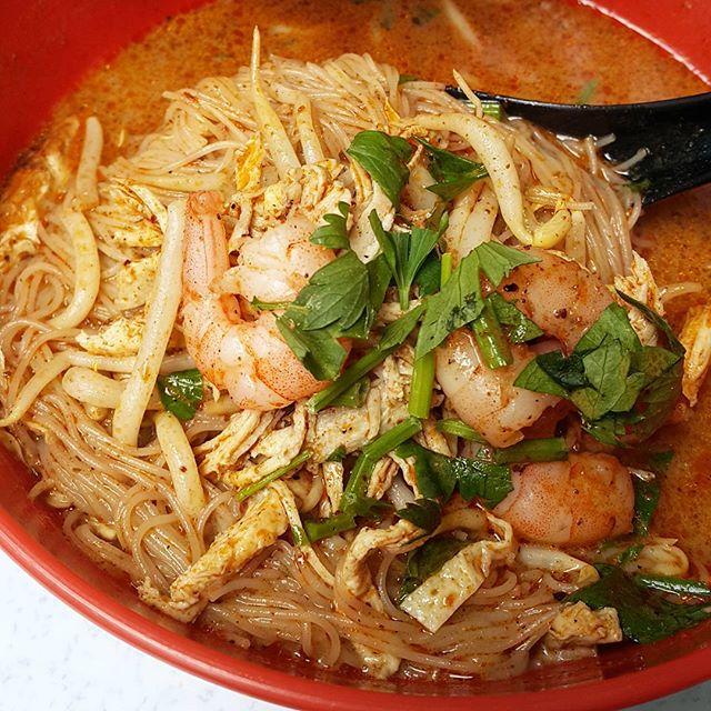 Sarawak laksa 😍😍 yum yum  #takepicha #dinewithannna #livetoeat #sarawaklaksa #7thmilekitchen #kelanajaya #food #foodie #foodpic #foodphotography #foodstagram #foodgasm #foodporn #foodspotting #burple #omnomnom