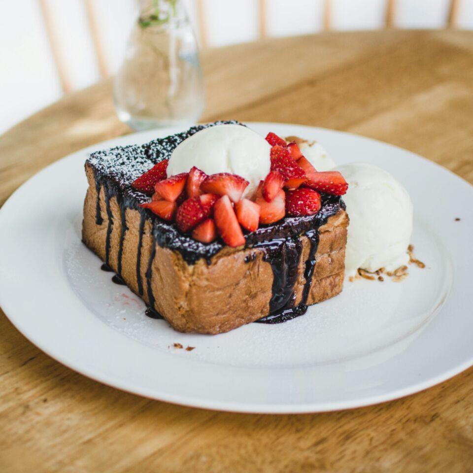 Chocolate Strawberry Shibuya Toast