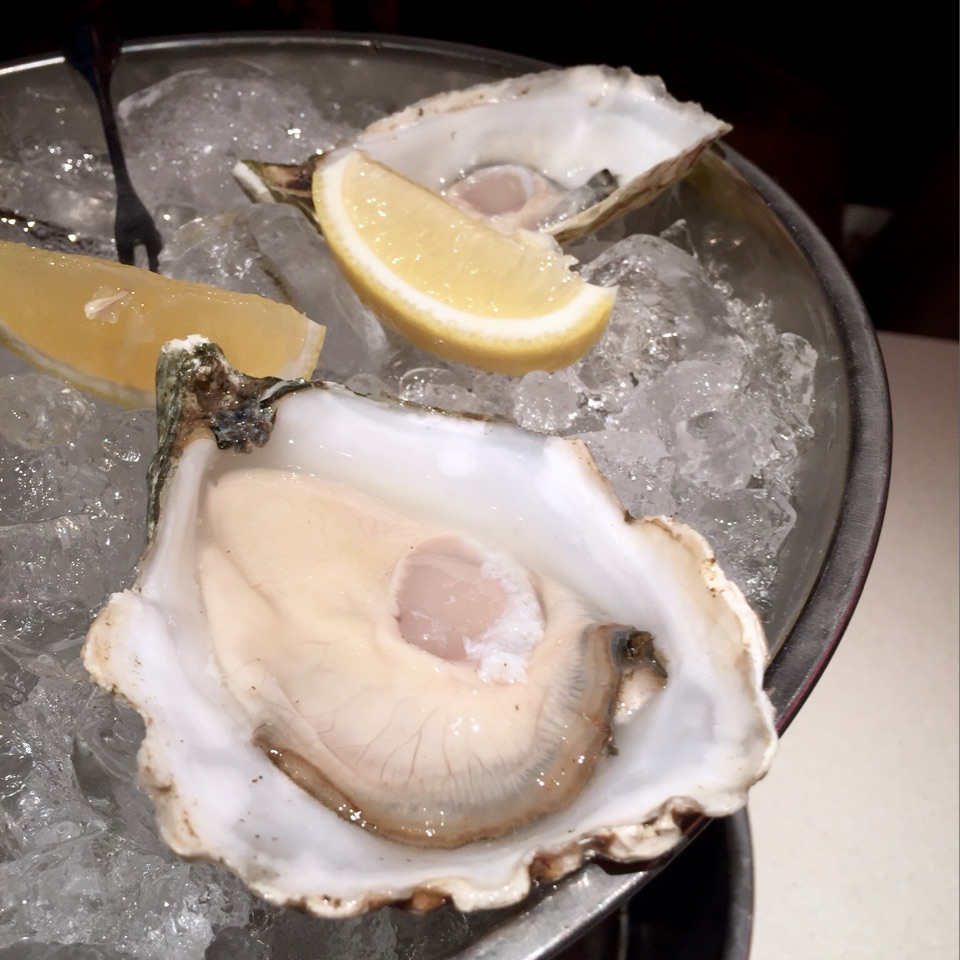 Happy Hour Oysters!