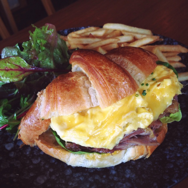 Pulled Duck & Apricot Croissant ($19++)