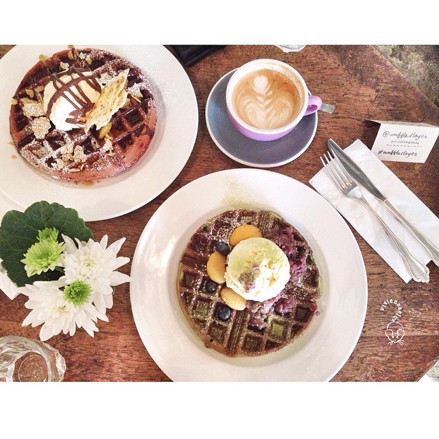 Sundate brunch: Strangers' Reunion opened a new waffle bar right beside it's current location.