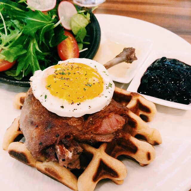 Duck berry waffle.