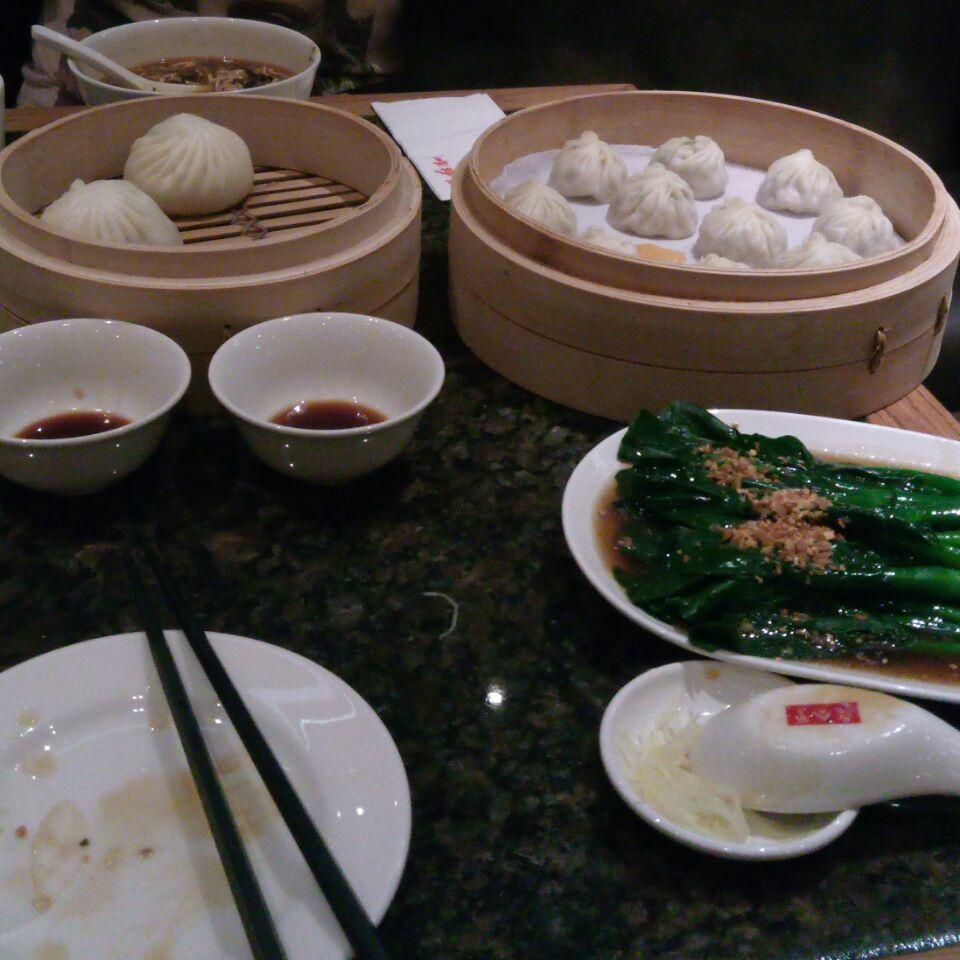 Good Dumplings but very crowded!