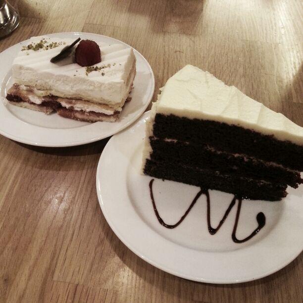 Strawberry shortcake & red velvet cake