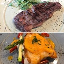 District 10 Bar & Grill (Suntec City)