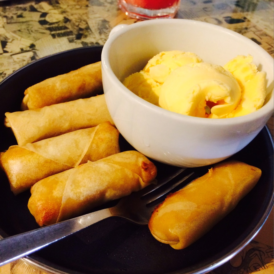 Cempedak rolls & ice cream