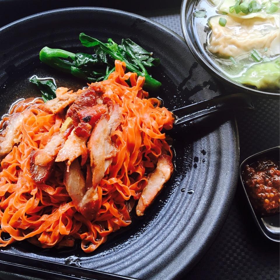 Char Siew Dumpling Tomato Noodles