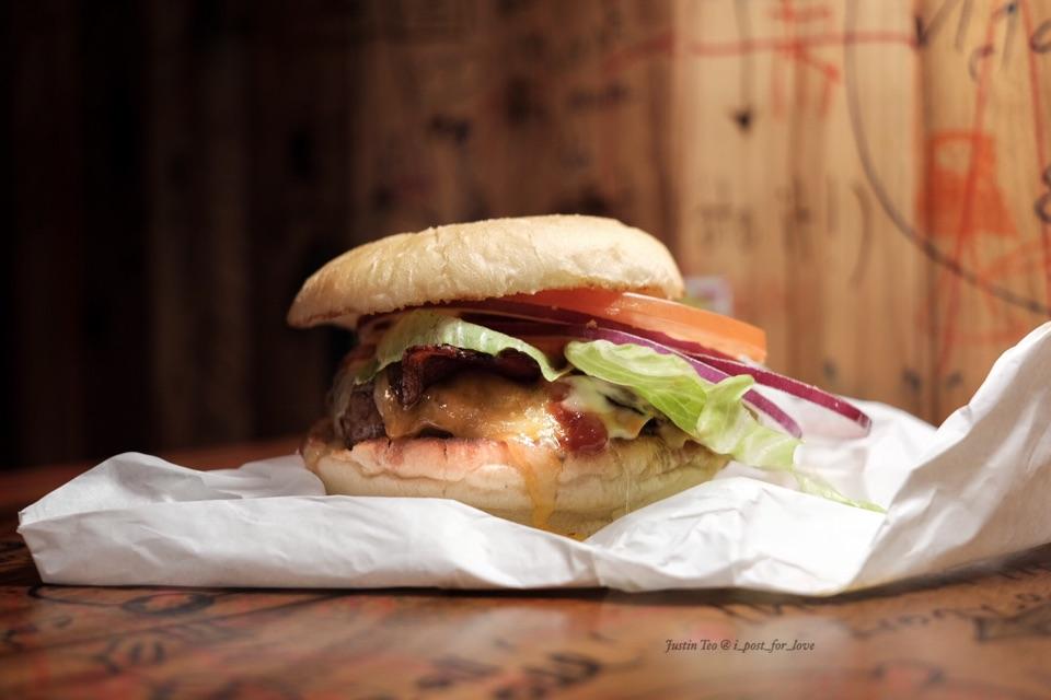 Bacon Cheeseburger [$15.80++]