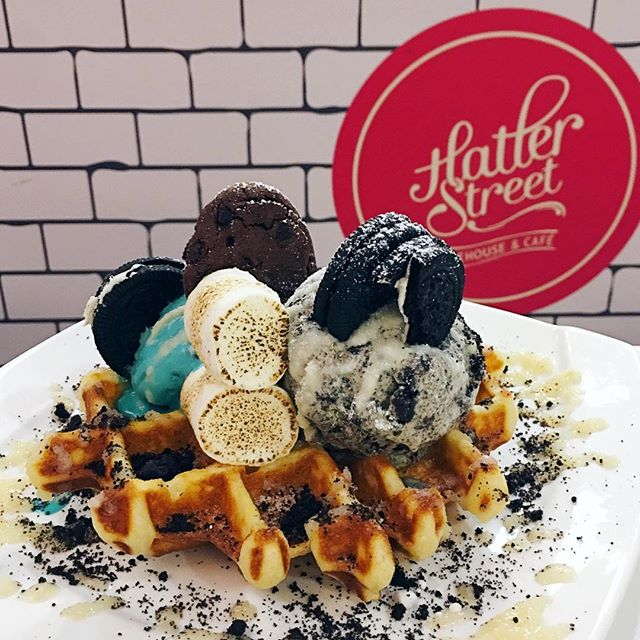 Hougang's share of dessert cafes in SG and this one also served pretty good waffles, or Whoaffles as they called it.