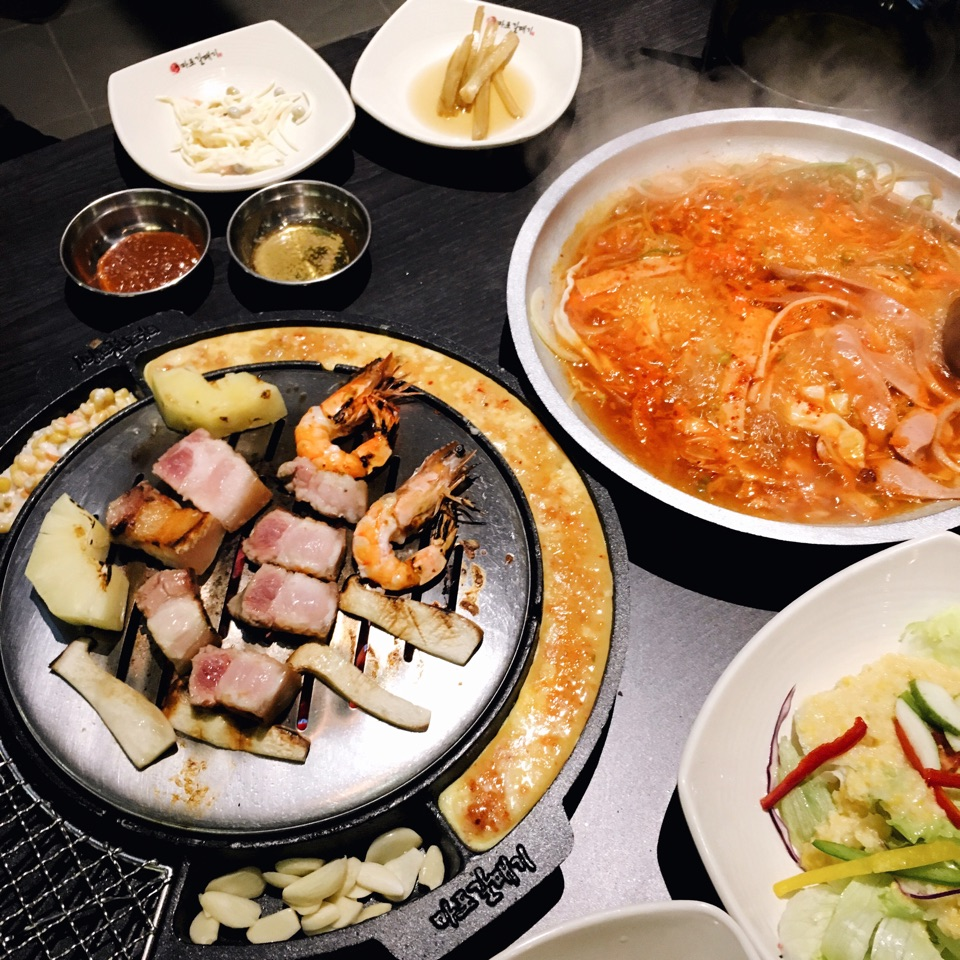 Of Galmaegisal & Kimchi Omelettes 🐣