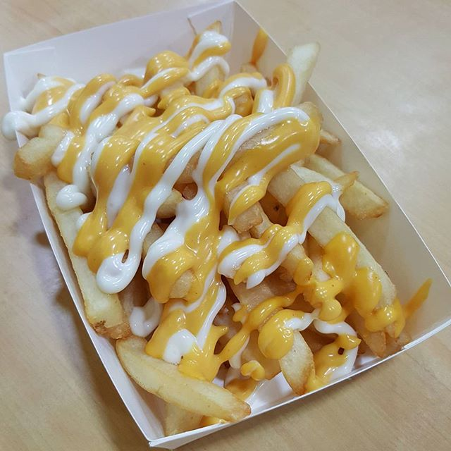 7🌟 / 10🌟 Yummy Cheese Fries from Western Food stall at Food Loft Hawker Centre at Clementi Blk 308