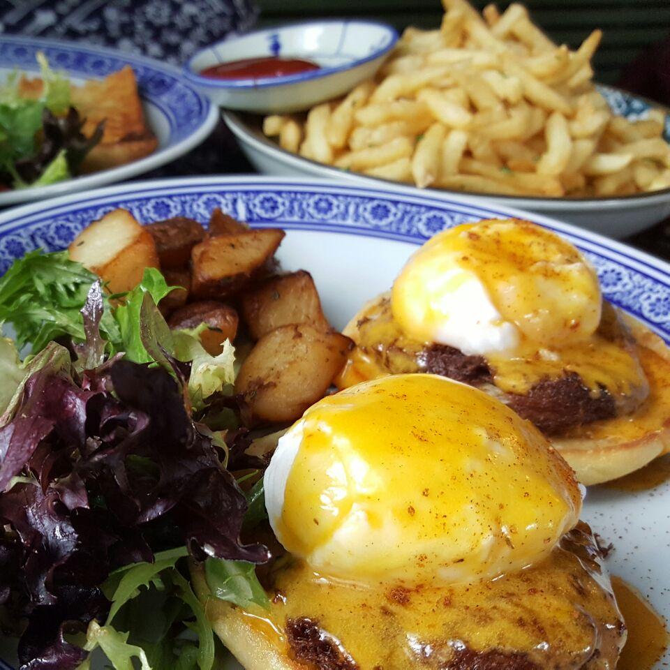Crab Benedict & Truffle Fries