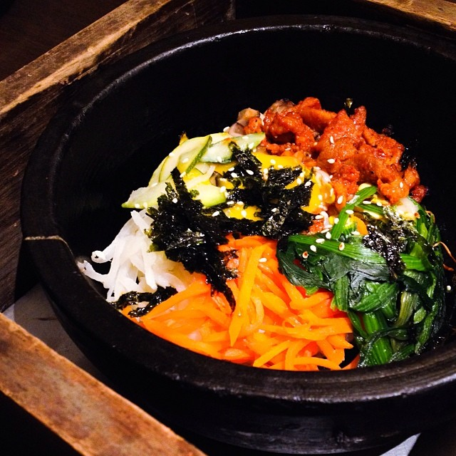 Of course while the rest of us carnivores were devouring our red meat, my healthy sister @yeojess opted for bibimbap.