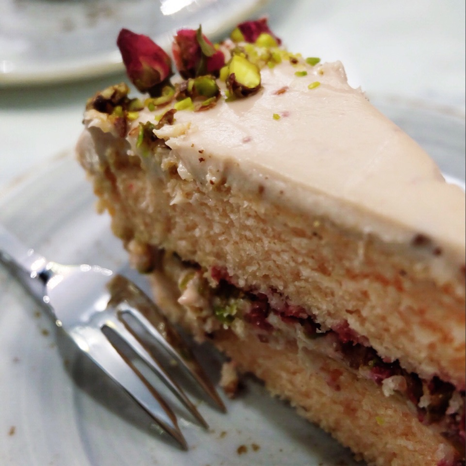 Try The Rose Cake!