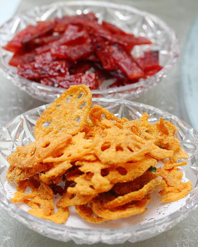 [Goodwood Park Hotel] - The Spicy Salted Egg Lotus Root Chips is super addictive!