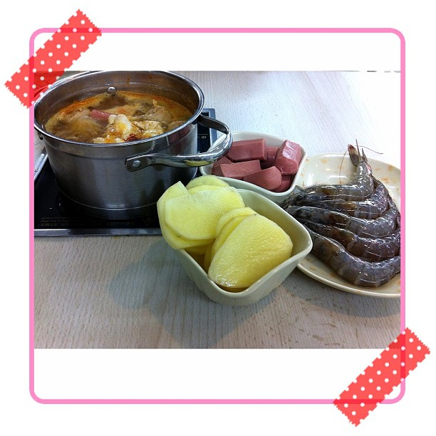 Steamboat Cooker Singapore Induction Cooker Steamboat