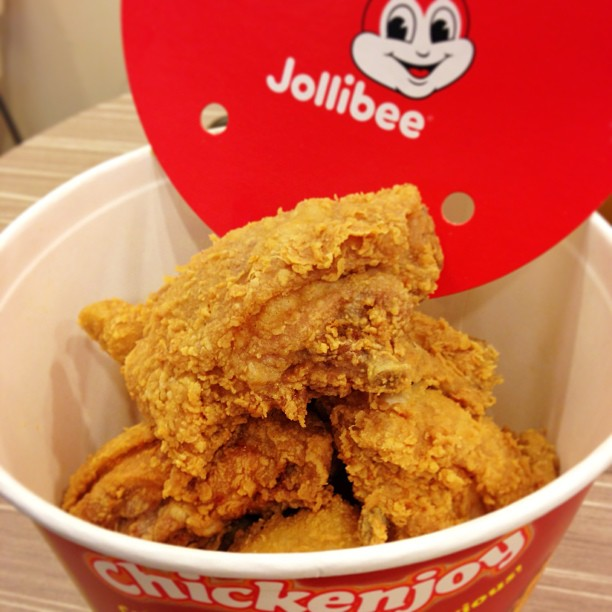 Joy has come! Londoners can now enjoy Jollibee・・s beloved Chickenjoy in Earls Court Road