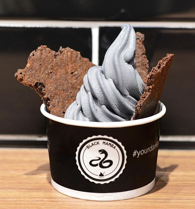 Best for the hot hot weather - love the Charcoal Yoghurt Softserve base with right amount of sweet and tartness (from $2.90 onwards, depending on the amount of toppings and sauce).