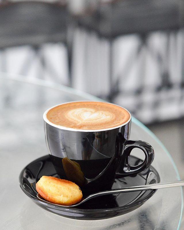 咖啡麻醉不了孤單,只會讓心更燙.