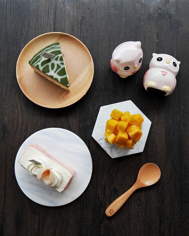 Cakes 🤤  Mango sticky rice cake [$6] Rose lychee [$5.50] Matcha cheesecake [$6.50]