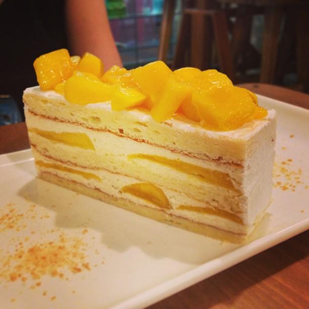 Mango Sponge Cake Burpple By Eleanor Tay Burpple