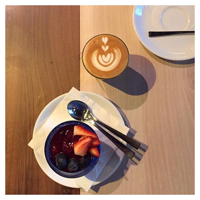 Winding down to the weekends over Panna Cotta ($7) & a ¾ Latte ($4) from @kithsingapore!