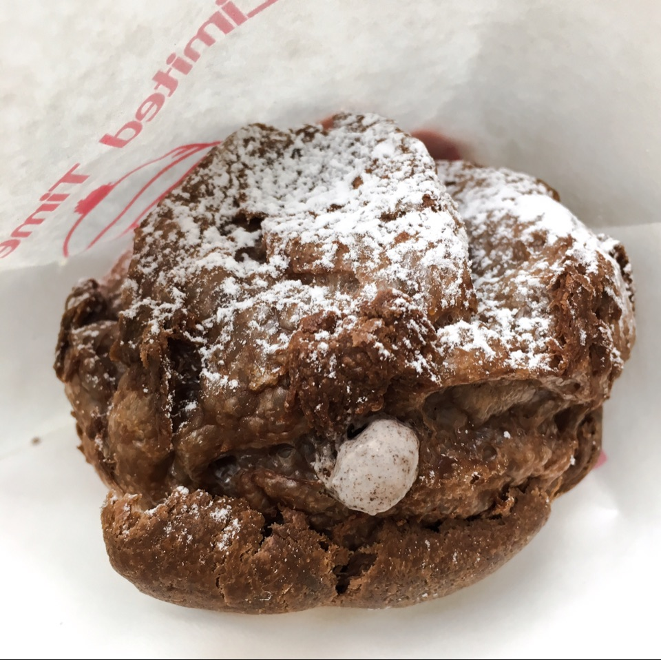 Strawberry Cookies & Cream Cocoa Puff