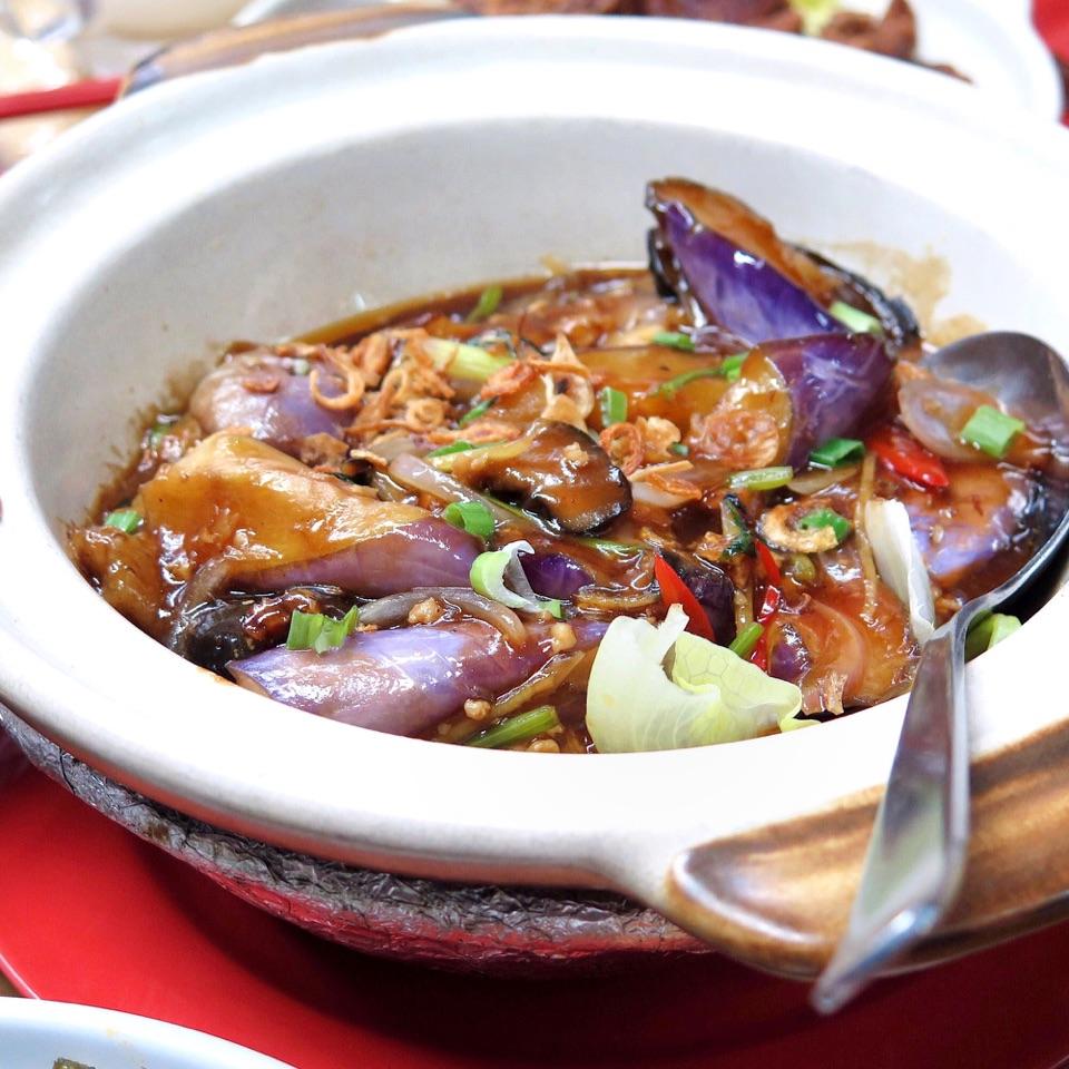 Claypot Garlic Sauce Eggplant 砂煲鱼香茄子 [$12/$18/$24]