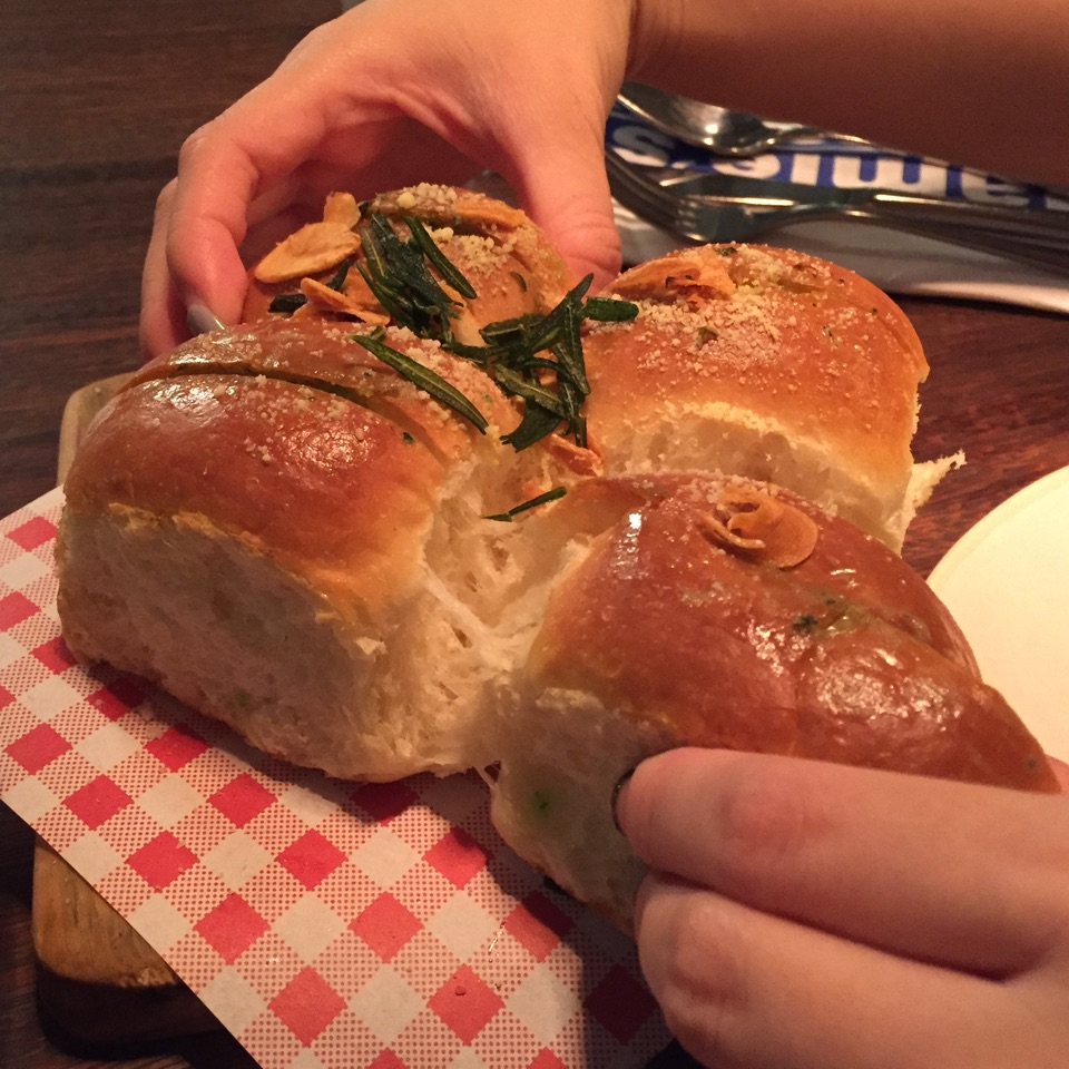 The Ultimate Garlic Bread Is A Bun