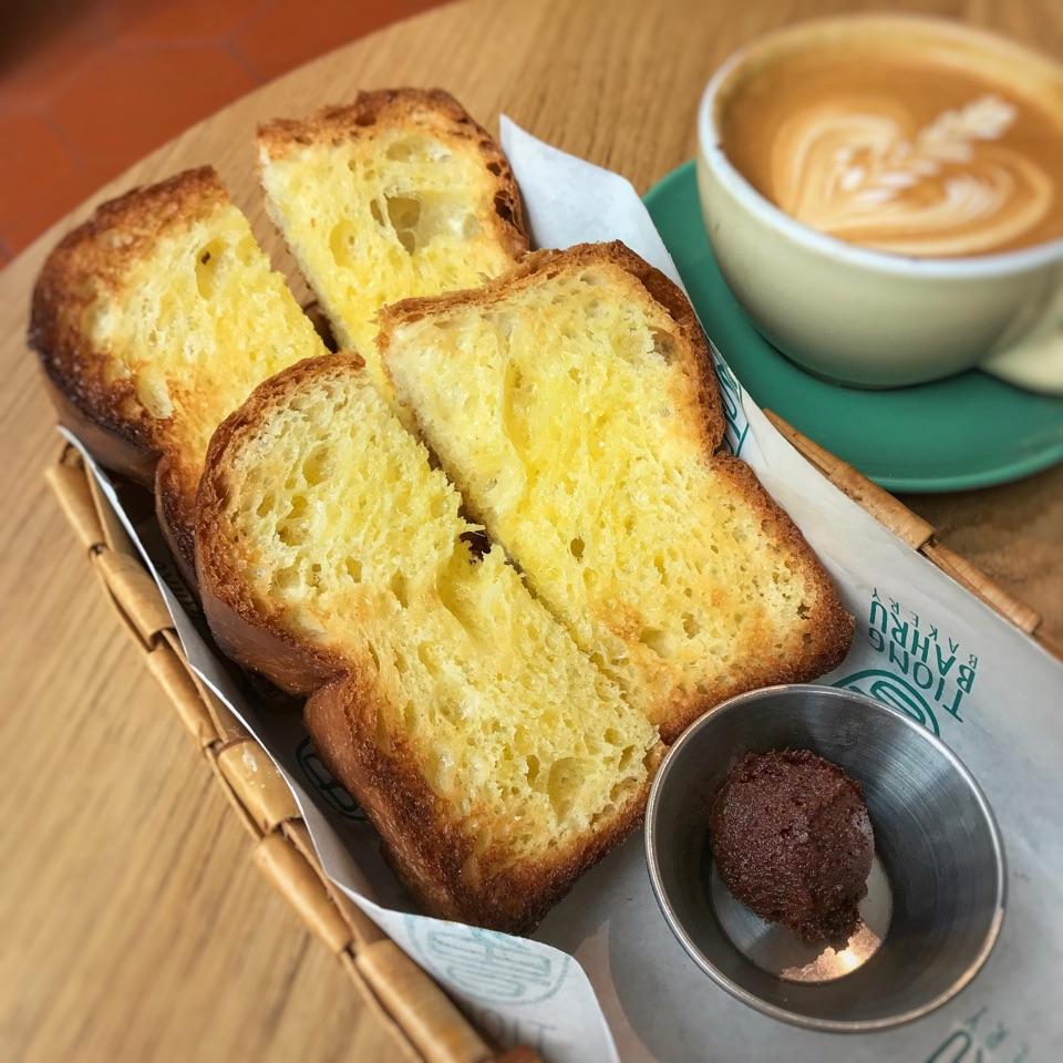 Brioche Toast ($5++)