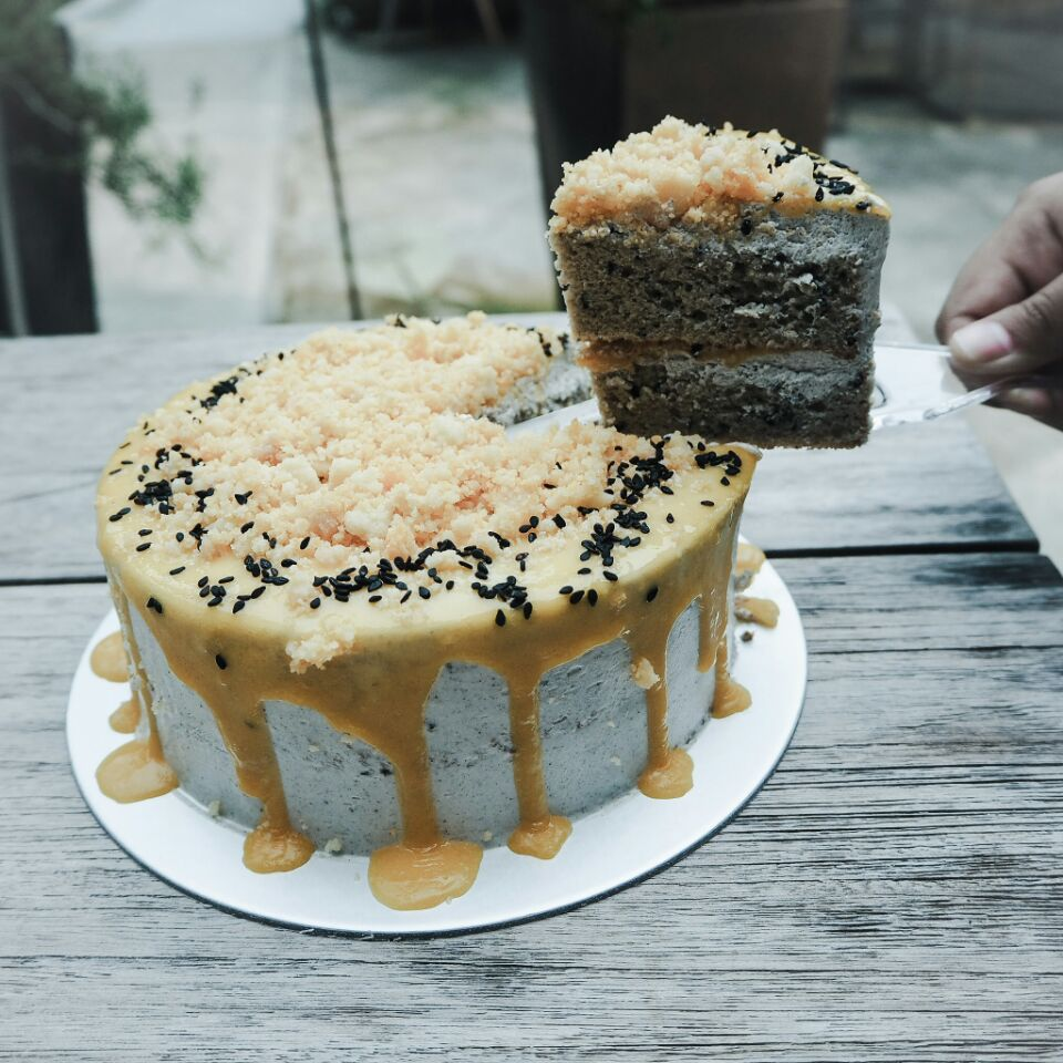 For a Unique Fusion of Flavours in a Cake