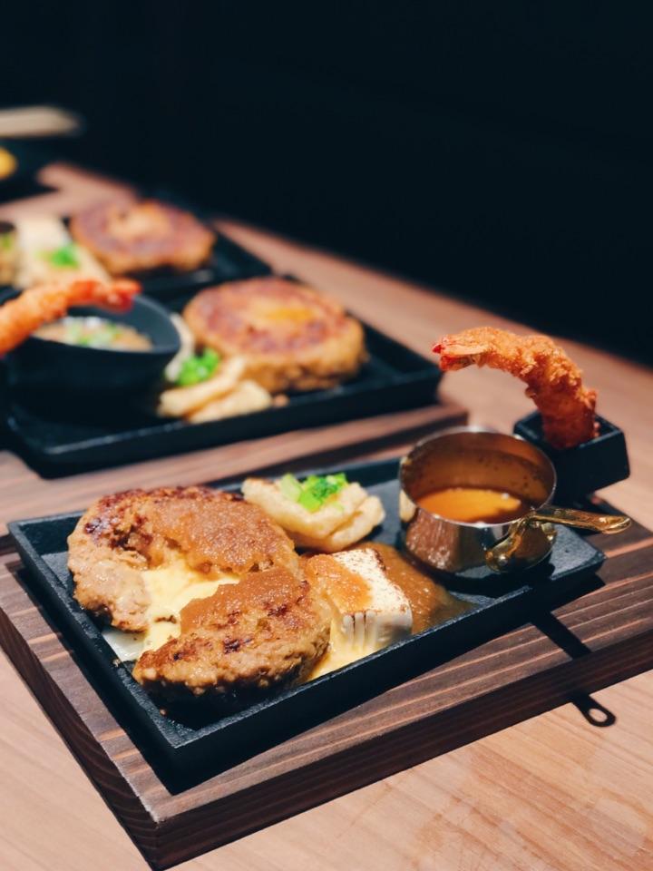 For Oozy Hamburg Steak in Tanjong Pagar