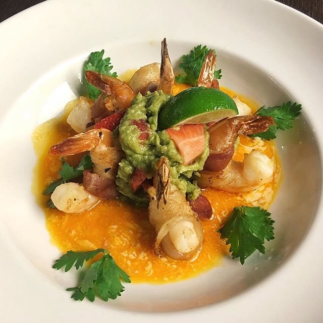 Shrimp Tango ($22.90++) Grilled bacon-wrapped shrimps that remains juicy, while acquiring a savoury taste.
