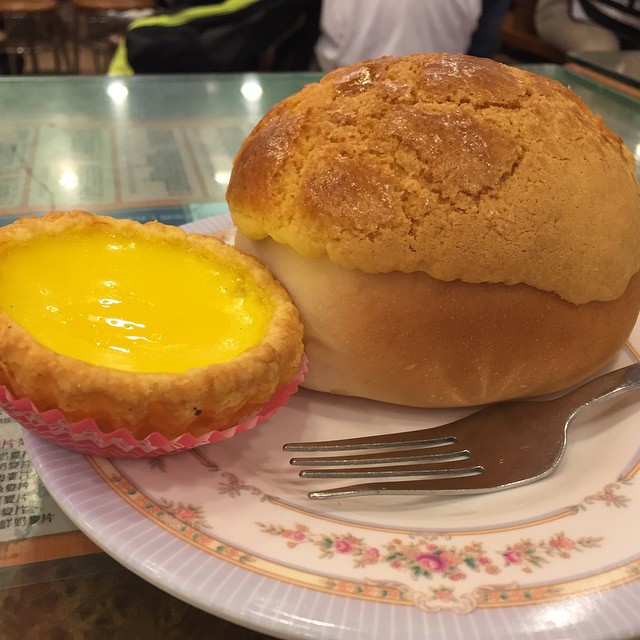 Ranked as one of the top Polo Bun (Pineapple Bun) place in Hong Kong to eat, (even featured in CNN), this place however, didn't met up to my expectation, or perhaps I had just a bad polo bun day.