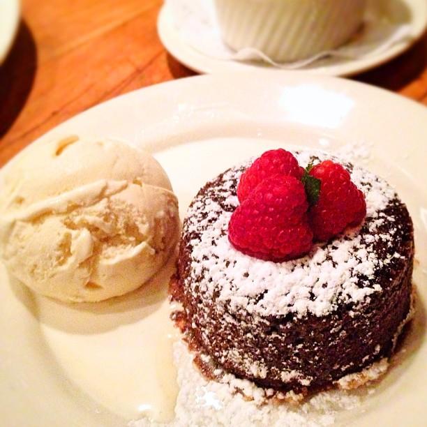 Legendary hot chocolate cake.
