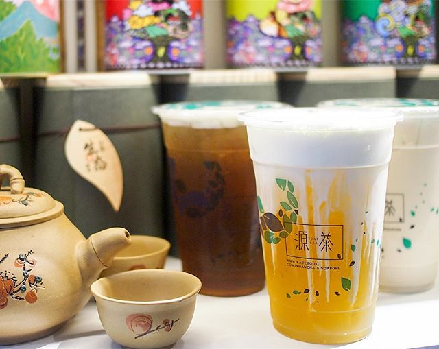 Forever a boring person when it comes to bubble tea (or tea in general), I always go for winter melon tea with herbal jelly (or black tea for my hot cup of tea).
