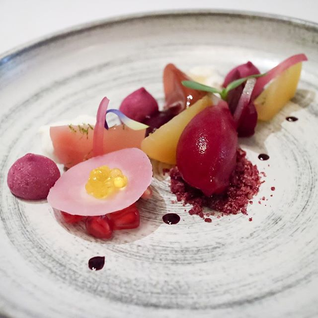 1 of the 6 acts from the lunch menu ($128) features a Heirloom Beetroot Variation that totally caught me by surprise at how much I actually enjoyed this dish.