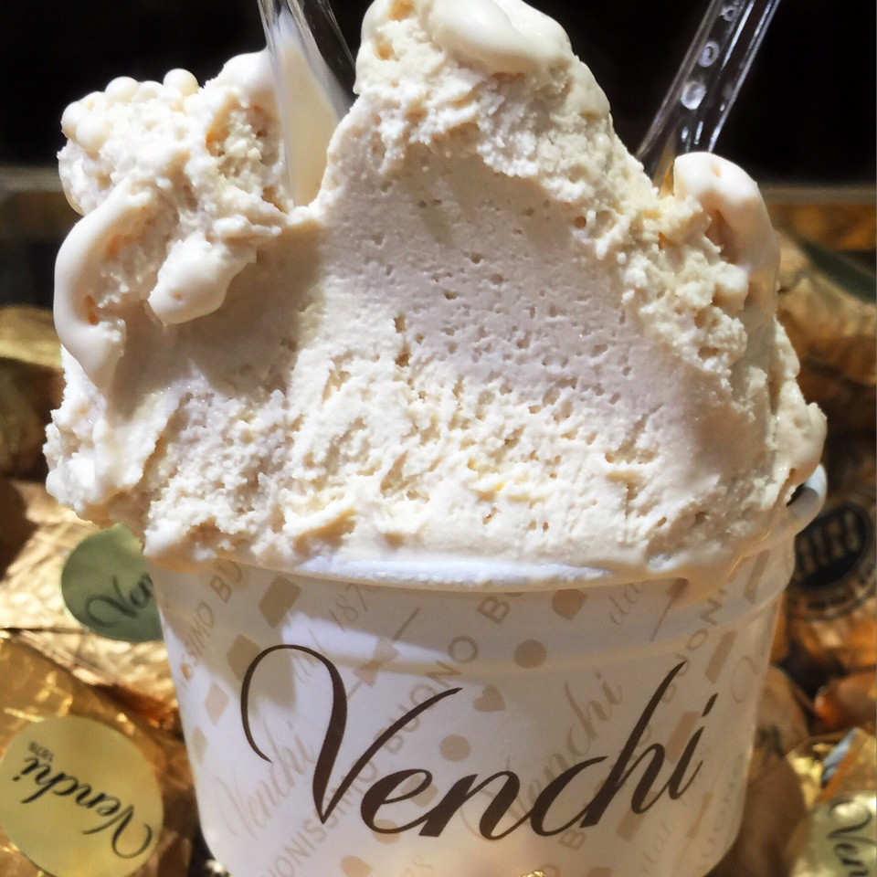After having some world-class standard chocolates probably 1.5 years ago, Venchi has etched firmly in my mind as an excellent Italian gourmet chocolatier.