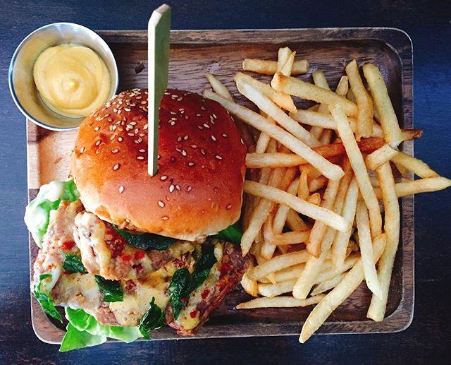 Zhng Burger EVM