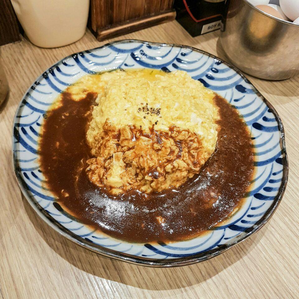 Fluffy Omelet Rice