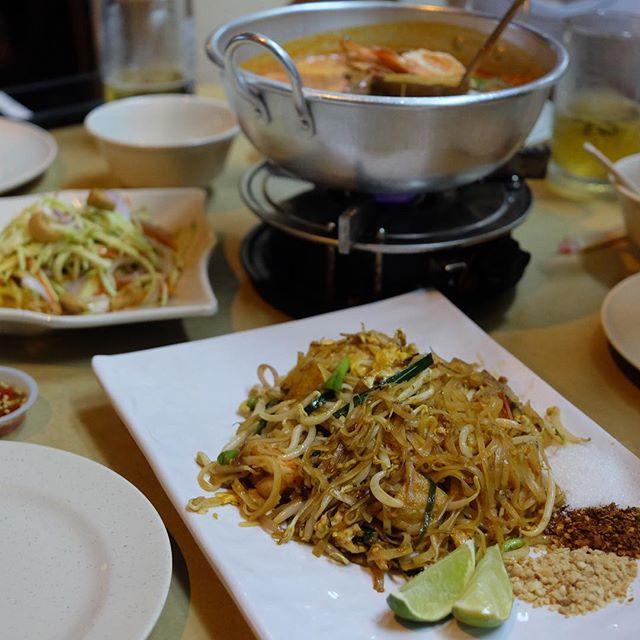 Last minutes thai food craving .