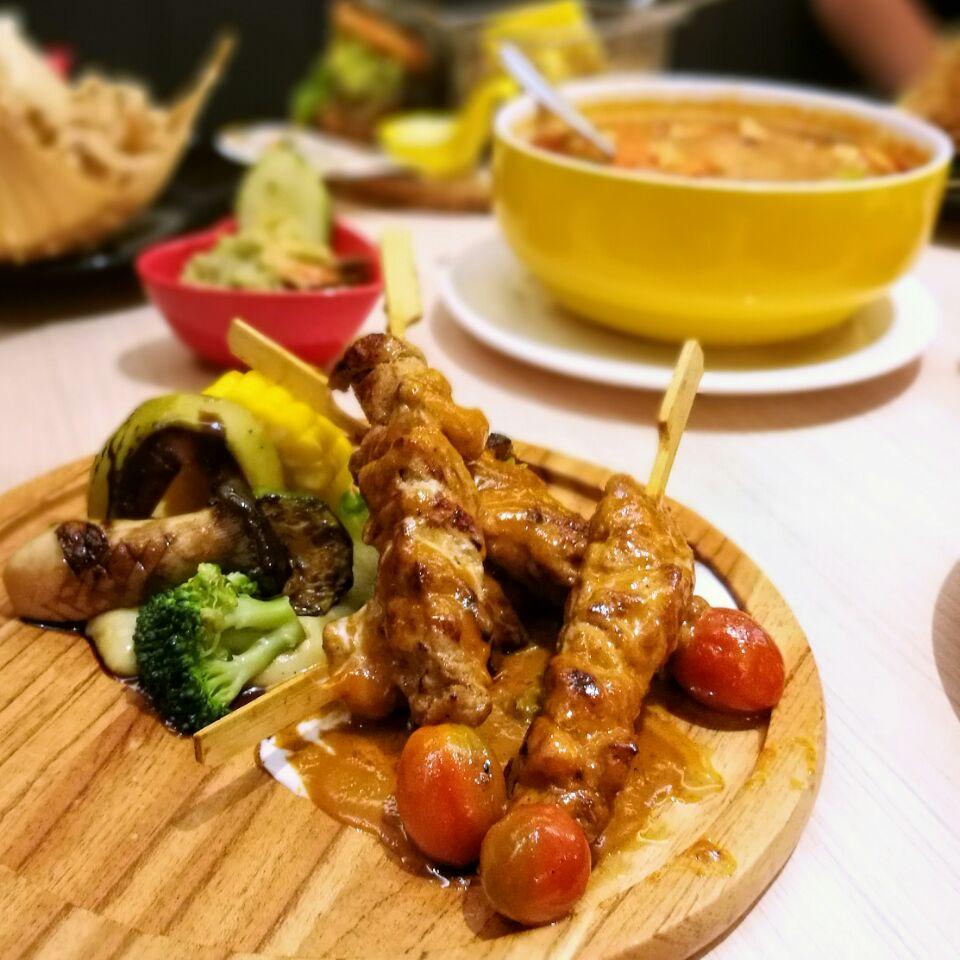 Chicken Skewer With Massaman Sauce