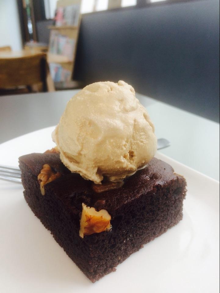 Walnut Brownie With Throwback Ice Cream
