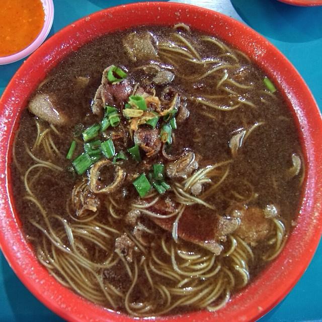 Pig Liver Mee Sua @ Seng Kee Black Herbal Chicken Soup.