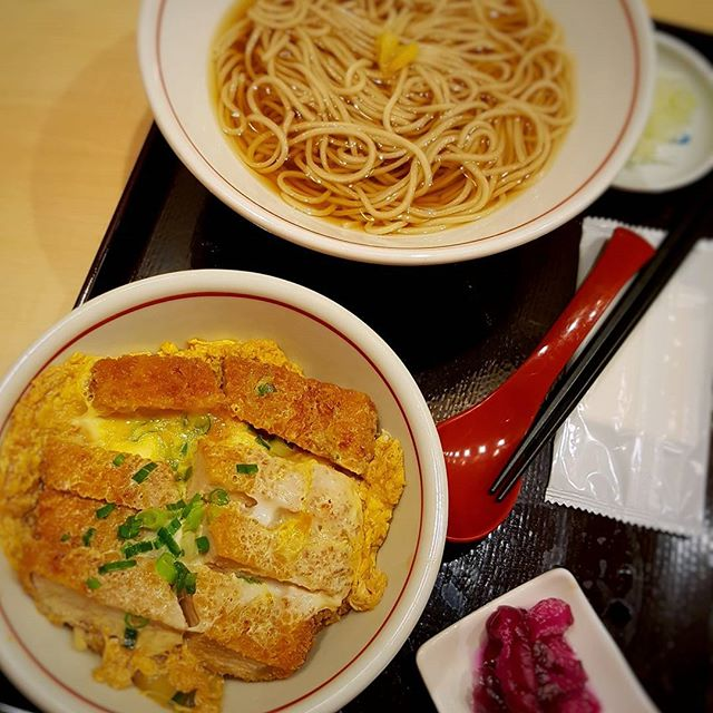 Katsu Don + Kake Soba  YOMODA SOBA - Japan Food Town, Wisma Atria  #singaporefood #sgfood #sgeats #instafood #instafoodsg #foodhunt #foodporn #foodsg #foodpornsg #exploresingaporeeats #exsgcafes #burpple #exploresingapore #singaporeinsiders #eatoutsg #sgigfoodies #sgfoodies #foodshare #soba #katsudon