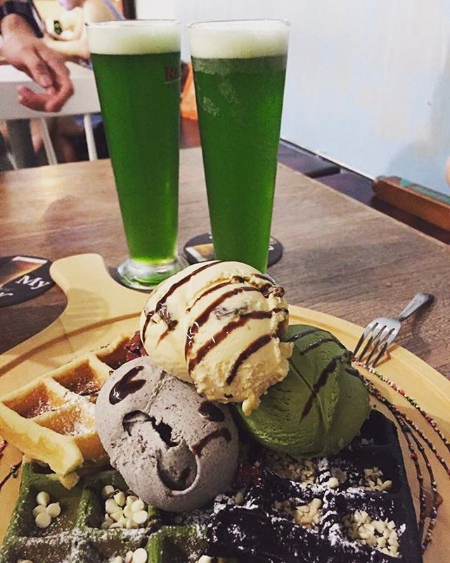 NEWLY launched Green Drink from the tap , with out signature combo waffle ( 4 flavours of waffles with 4 scoops of gelato ) ...Perfect place to chill out with friends #monstergreen !